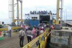 1.025 Penumpang Arus Balik Melalui Pelabuhan Selayar