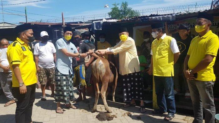 Irianto Ahmad Wakili Appi Bagi Kurban, Sinyal Ditunjuk Sekretaris Golkar Makassar?