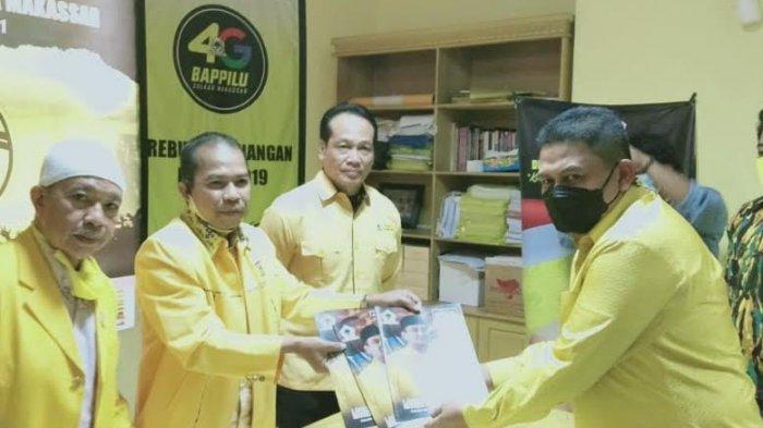 Munafri Arifuddin Pertama Kembalikan Formulir Bacalon Ketua Golkar Makassar