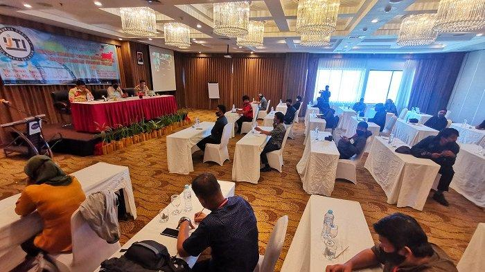 FOTO: Musda Berlangsung Lancar, Muhammad Sardi Terpilih Sebagai Ketua IJTI Sulsel 2020-2023 - musda-ijti-di-hotel-arthama-2.jpg