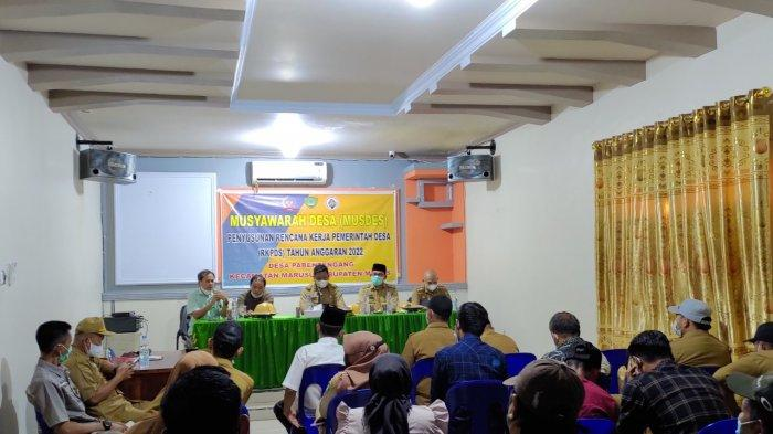 Musyawarah dihadiri oleh Camat Marusu Suwardi bersama Sekretaris Marusu Alamsyah Sehuddin dan Kepala Desa Pa'bentengang Muhammad Jafar Fattah.