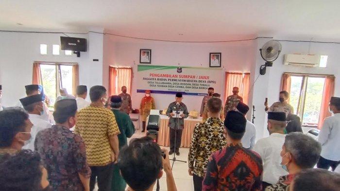 Lantik Anggota BPD di Kecamatan Enrekang, Muslimin Bando: Jangan Saling Menjatuhkan