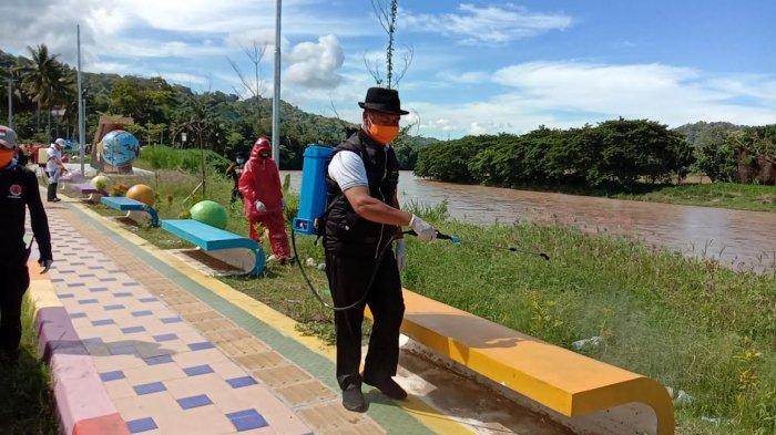 Cegah Covid-19, Pemkab Enrekang Gelar Penyemprotan Desinfektan Serentak di 129 Desa/Kelurahan