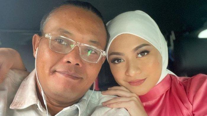 Sule dan Nathalie Silaturahmi ke Rumah Oma Hetty Hingga Tengah Malam, Oma: Lupakan yang Lalu