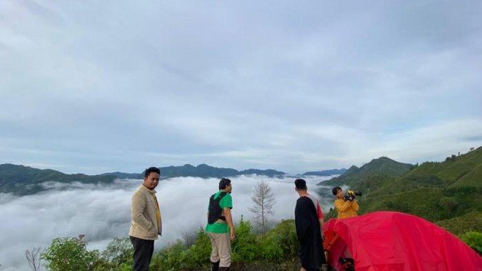 Puncak Buttu Toding Pinrang Mirip Negeri di Atas Awan Toraja, Ajak Warga Sekitar Saat Berkunjung