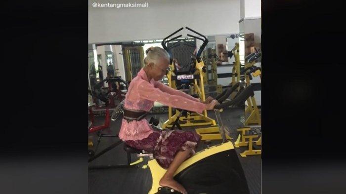 Video Viral Nenek Nge-Gym, Pakai Kebaya Gunakan Sepeda Fitness Hingga Alat Pulldown