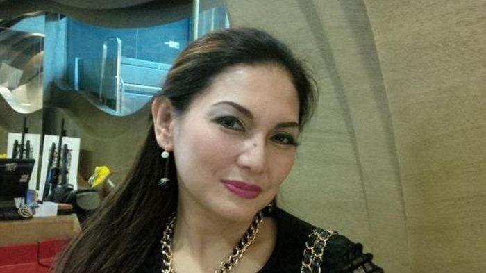 Masih Ingat Nia Daniaty Mantan Istri Farhat Abbas? Dekat dengan Pria Tajir Setelah Lama Menjanda