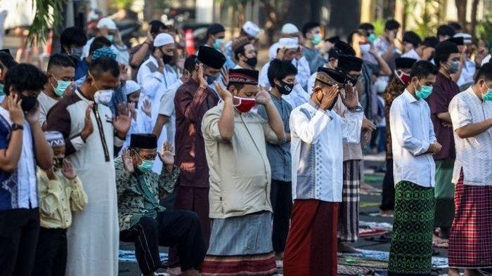 Niat dan Tata Cara Shalat Idul Fitri Baik Sendirian Maupun Berjamaah Beserta Pendapat 4 Mazhab
