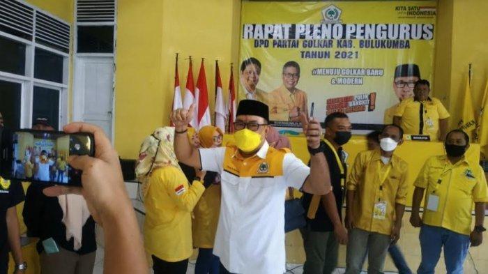 Nirwan Arifuddin Orang Pertama Kembalikan Formulir Calon Ketua Golkar Bulukumba