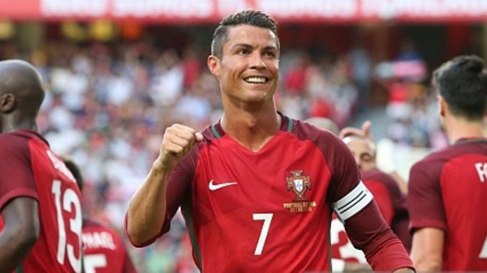 Cristiano Ronaldo Urutan Empat Selebriti Terkaya di Dunia, Messi di Posisi Delapan