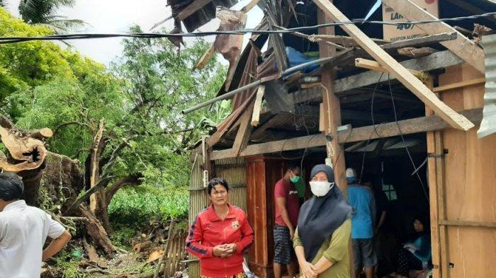 Dinsos Jeneponto Bantu Korban Pohon Tumbang di Ujungloe
