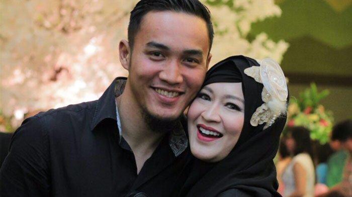 Ingat Okie Agustina Ex Pasha Ungu? Hidup Sederhana Jadi Istri Pesepak Bola, 'Angkat Galon Sendiri'