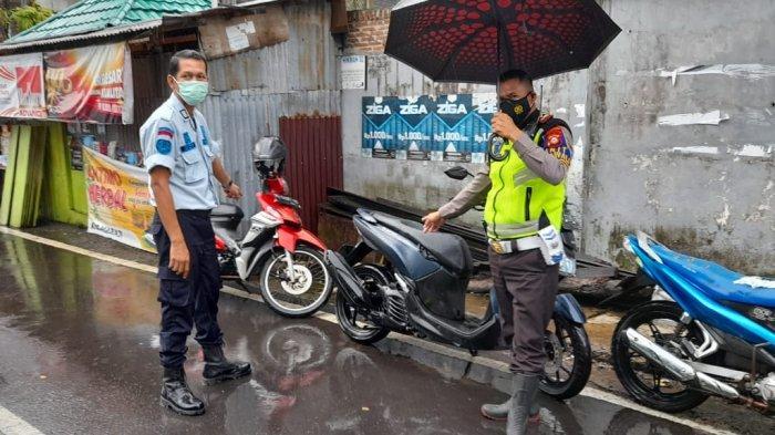 Operasi gabungan dari Rudenim Makassar, Polrestabes Makassar dan Divisi Keimigrasian Kanwil Kemenkumham Sulsel ke pengungsi asing di Makassar, Rabu (7/4/2021).