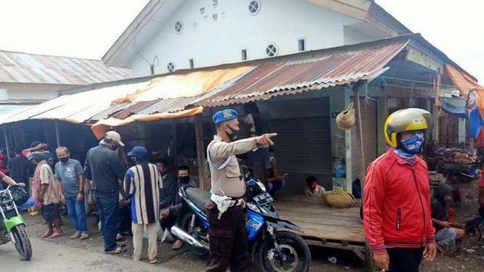 Operasi Yustisi di Pasar Sudu, Personel Polsek Alla Enrekang Tegur Pedagang dan Pengunjung