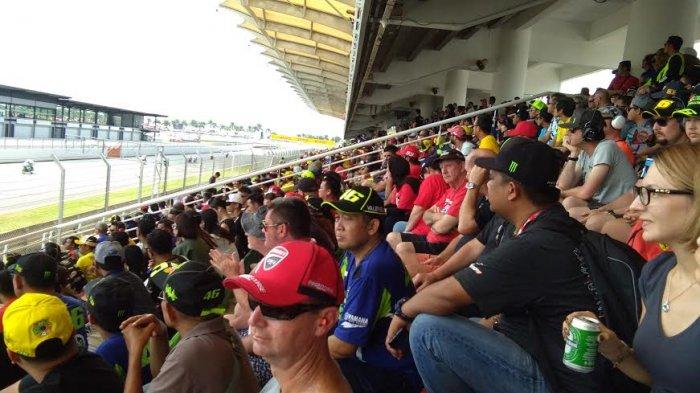 Usai Lihat MotoGP di Sepang, Ini Harapan Penonton Asal Makassar - pang3_20171029_220707.jpg