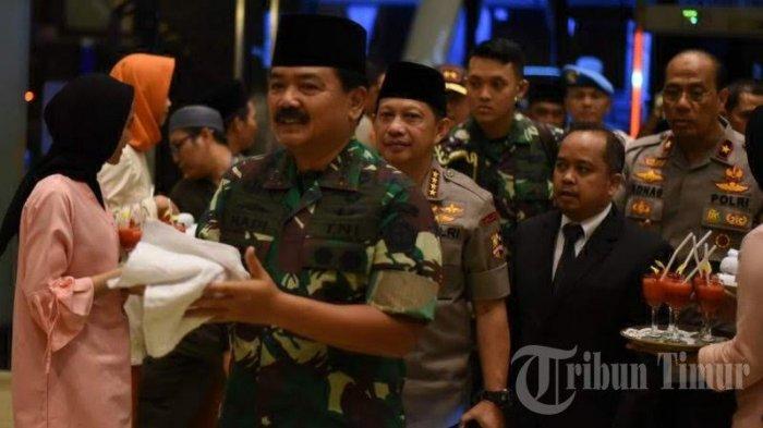 FOTO: Menajemen Claro Sambut Panglima TNI dan Kapolri