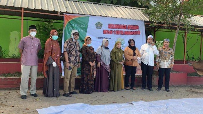 9 Sapi Kurban Disembelih di MTsN Makassar