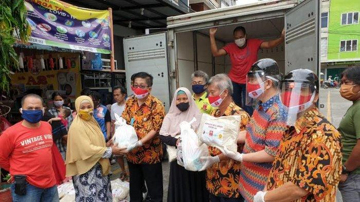 INTI Sulsel dan Klenteng Xian Ma Bagikan 500 Paket Sembako ke Warga Terdampak Covid-19
