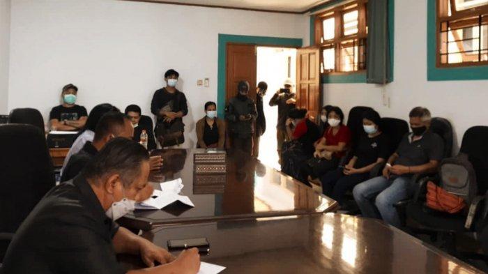 Pedagang Pertokoan Rantepao Mengadu ke DPRD Toraja Utara
