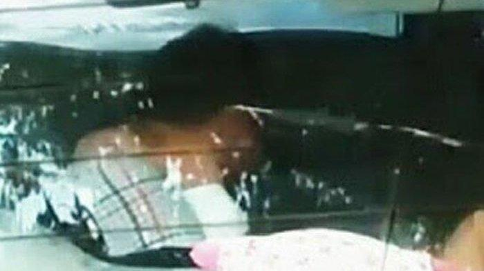 Pejabat - Wanita Muda Terciduk di 'Mobil Goyang' di Parkiran Mal, Panik Saat Ketahuan Berzina, Sosok