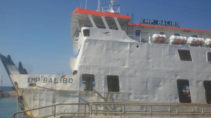 Dua Kapal Feri di Pelabuhan Bira Dilarang Muat Penumpang