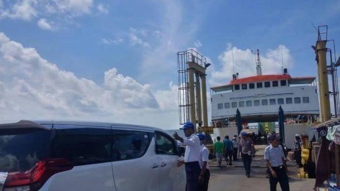 Penyeberangan Feri di Pelabuhan Pamatata Selayar Mulai Dilonggarkan