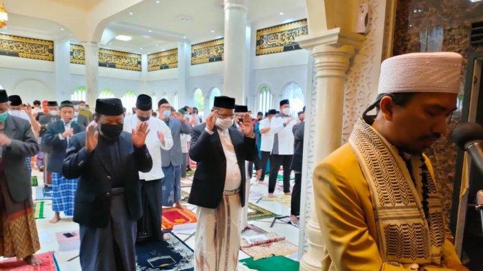 UNM Gelar Salat Idulfitri 1442 H, Ini Harapan Rektor Husain Syam