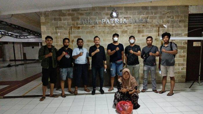 Curi Emas Tetangga, IRT di Mamuju Diringkus di Pelabuhan Paotere Makassar
