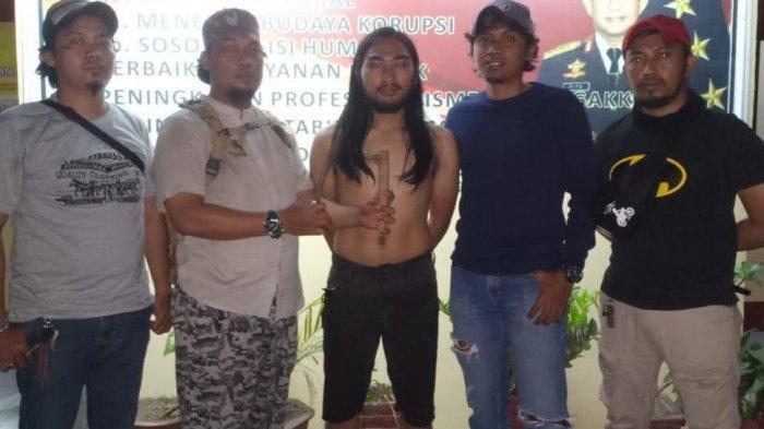 VIDEO:Diduga Gara-Gara Saling Tatap, 2 Pemuda Berseteru di Pengayoman, Polisi Amankan Badik