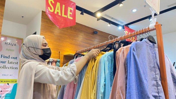 FOTO: Baju Lebaran di Hava Nipah Diskon Mulai 20 % Hingga 70 %