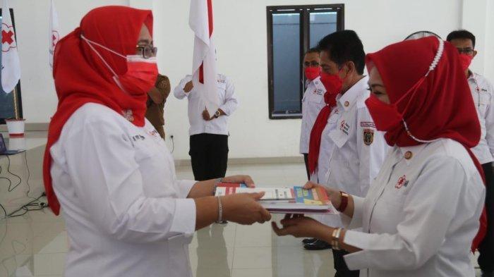 Wagub Sulbar Lantik Istri Bupati Sebagai Ketua PMI Polman