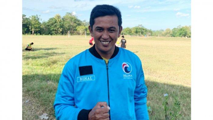 Sukses Antar Desa Palambarae ke Final Liga Desa Nusantara, Ronald Regeng Kini Gabung Partai Gelora
