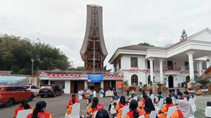 Bekerjasama BLK Pangkep, Pemkab Tana Toraja Tutup Pelatihan Barista dan Menjahit