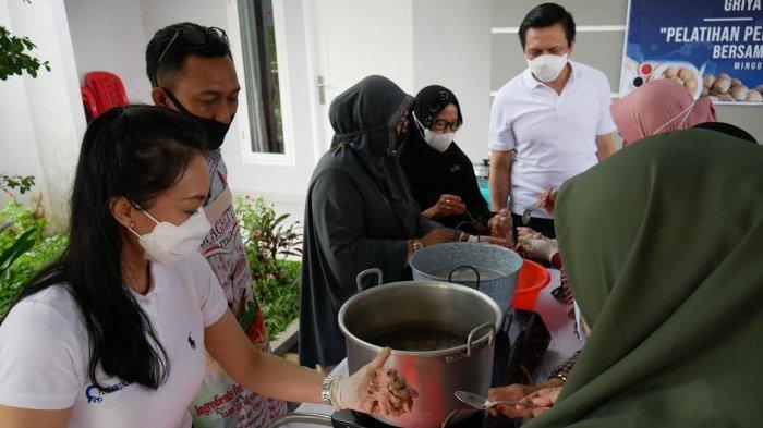 PT CPH Gelar Pelatihan Pembuatan Bakso Malang di Pampang