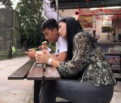 Idola Baru Suporter PSM Makassar, Lihat Romantisnya Bektur Talgat Uulu Bareng Istrinya