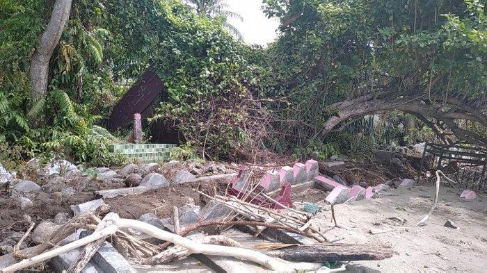 Makam di Polewali Mandar Terbongkar Diterjang Ombak, Kain Kafan Berserakan