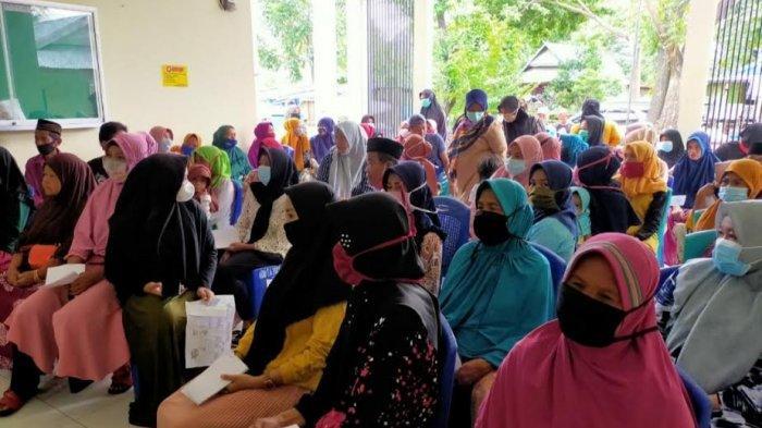 170 Warga Desa Balang Baru Terima BLT, Jumlahnya Rp300 Ribu/Orang