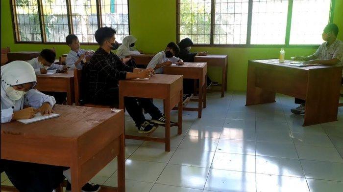 Kecamatan Bissappu Keluar dari Zona Merah, Pelajar di SMPN 3 Bantaeng Mulai Sekolah Tatap Muka