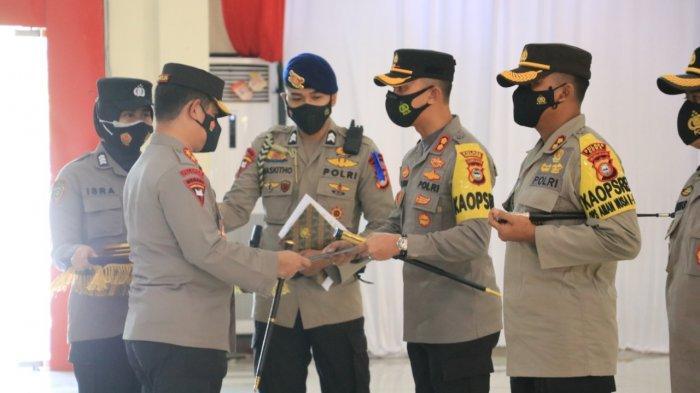 Kapolres Enrekang AKBP Andi Sanjaya dapat Pin Emas dari Kapolri