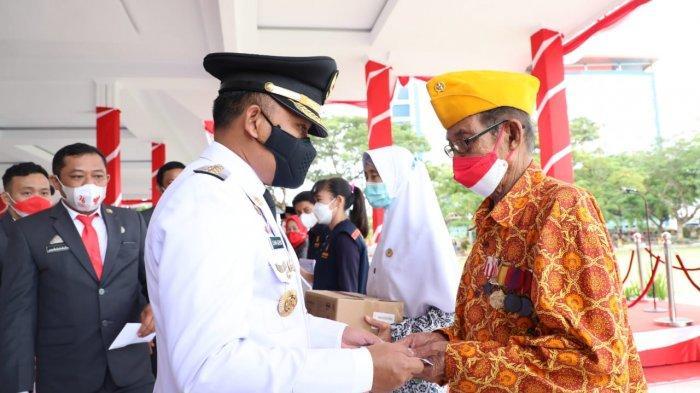 HUT RI ke 76 di Bantaeng, Pemkab Beri Santunan Rp1 juta untuk Veteran & Rp750 ribu ke Janda Veteran