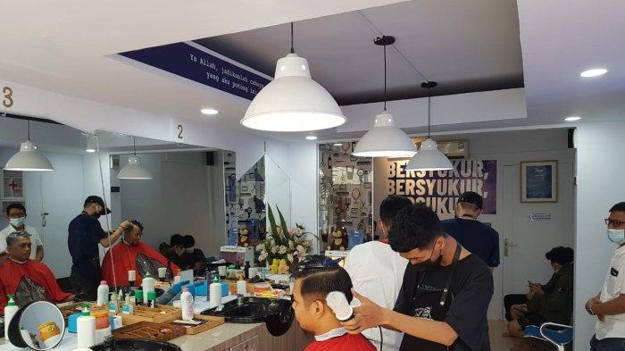 Potong Rambut di Bex Bukit Baruga Diskon 50 Persen, Cara Tribun Timur Manjakan Member TFC Premium