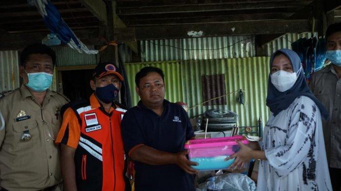 Pemkab Pangkep Salurkan Bantuan ke Korban Angin Puting Beliung di Ma'rang dan Segeri