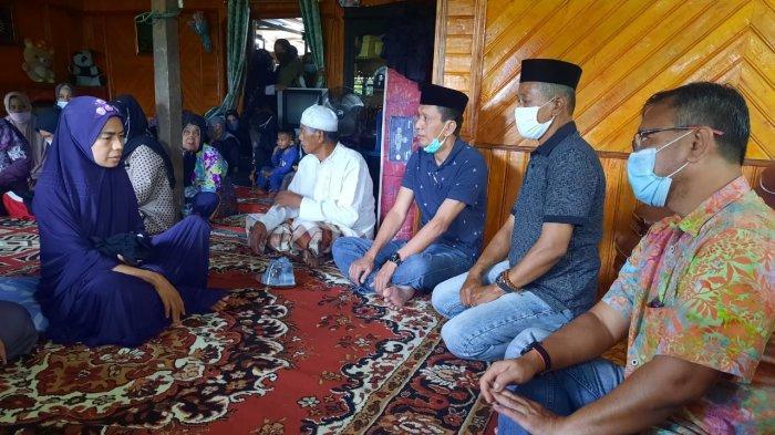 Keluarga Korban Gempa Sulbar Muh Andra Terima Santunan dari Pemkab Pinrang