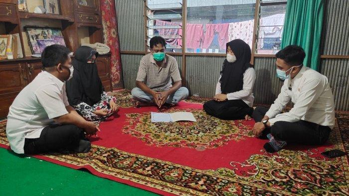 Tingkatkan Pelayanan, BKPSDMD Parepare Kunjungi Keluarga PNS yang Meninggal