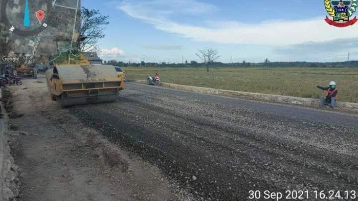 Pemerintah Provinsi (Pemprov) Sulsel, melanjutkan pembangunan ruas jalan Impa-Impa - Anabanua di Kabupaten Wajo.