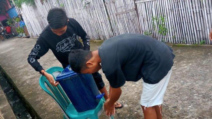 Cegah Corona, Pemuda Kampung Pasorongi Bantaeng Patungan Beli Sarana Cuci Tangan