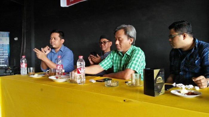 Penundaan Pilkada Untungkan Kandidat dengan Elektoral Rendah