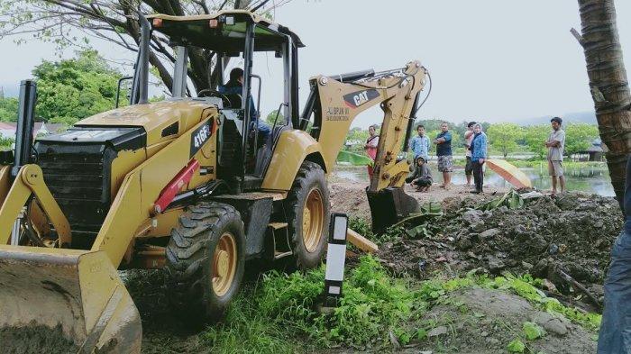Antisipasi Banjir Bandang, Pemerintah Balusu Barru Keruk Saluran Air