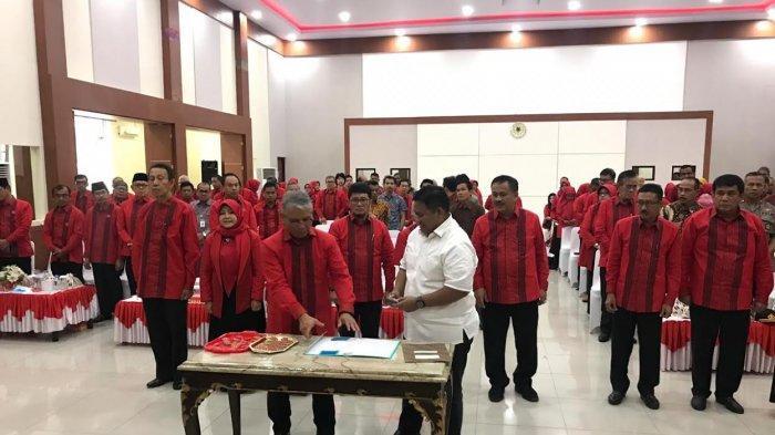 Gubernur dan Ratusan Alumni Hadiri Pengukuhan IKA Unhas Sulteng