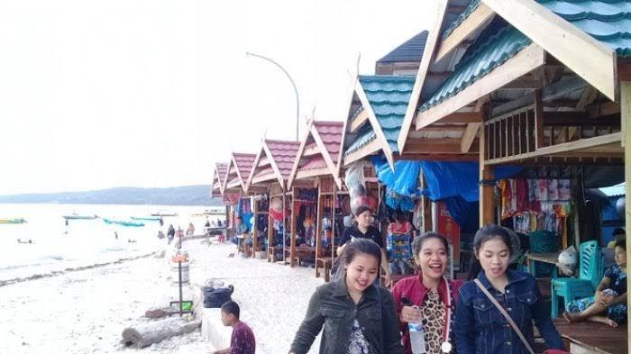 Sehari Sebelum Ditutup, Pengunjung Tanjung Bira Bulukumba Capai  3.700 Orang
